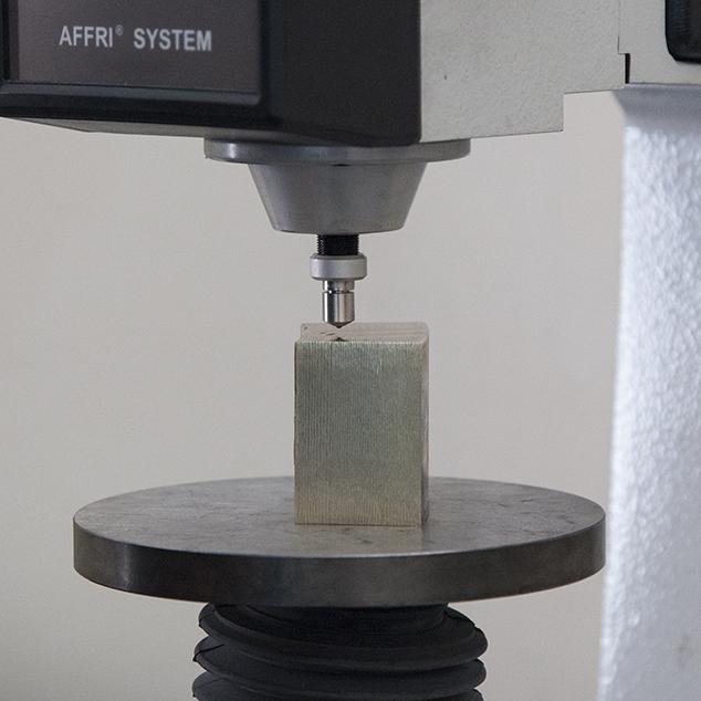 prova meccanica metallo non ferroso